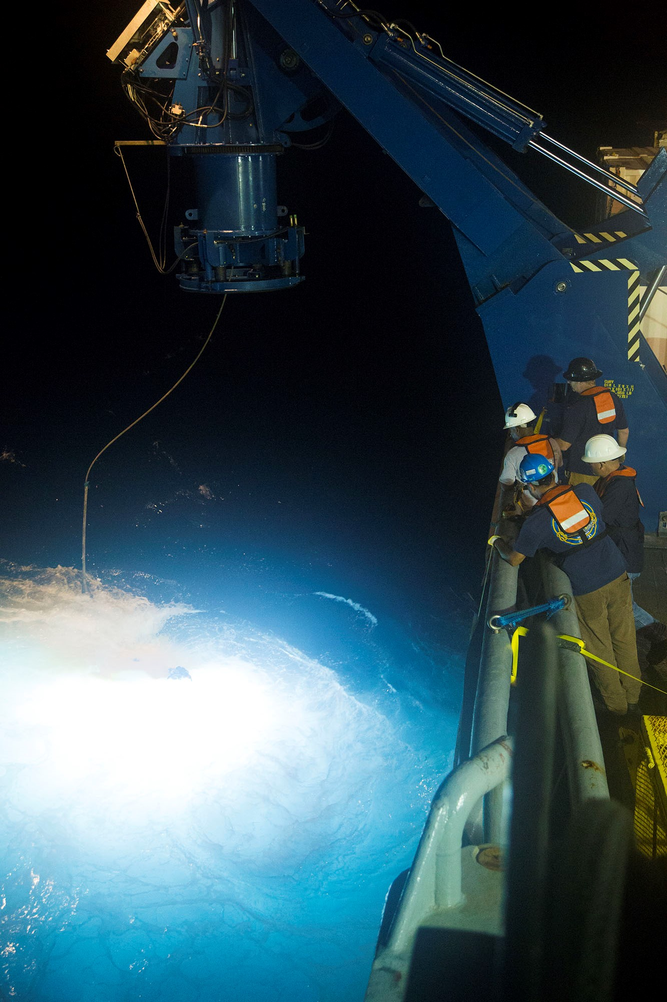 Photo (ABOARD THE USNS APACHE, ATLANTIC OCEAN) — The 6,400-pound remotely operated vehicle CURV-21 surfaces, as U.S. Navy SUPSAL