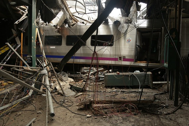 U.S. safety board blames two train crashes on sleep disorders